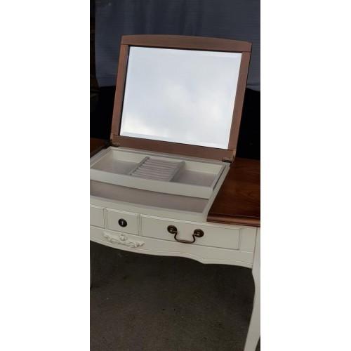AS6609 Туалетный столик с зеркалом